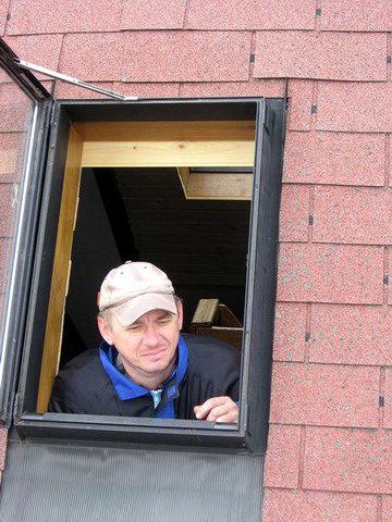 Pavel Smrk v okně