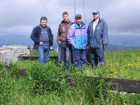 Foto před odjezdem (Jarda Lysůvky, Michal Místek, Mirek Morávka a MateS FM)