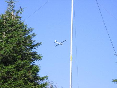 Letadlo nad Radhoštěm za naší anténou
